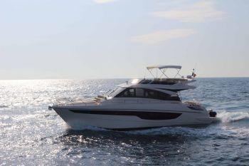 cayman-yachts-f920-introduce-sulla-scena-nautica-un-nuovo-m